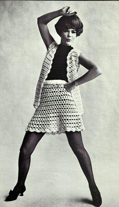 vintage crochet patterm for free https://vintagevibepatterns.files.wordpress.com/2012/06/miniskirtvest.pdf