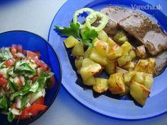Viedenská roštenka s opekanými zemiakmi (fotorecept) Potato Salad, Potatoes, Ethnic Recipes, Food, Red Peppers, Potato, Essen, Meals, Yemek