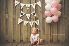 cake smash Julia, Bijna 1 jaar! Wat is het jaar voorbij gevlogen! Van een pasgeboren baby naar een ondernemend klein mensje.