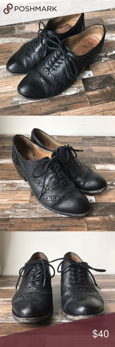 Frye Maggie Wingtip Oxfords EUC frye wingtips. Minor scuffing on top of toes. Leather shoe liner slipping in one shoe. Other than that great condition. Some discoloration on inside of shoes from wearing black socks. Frye Shoes Heels