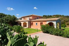 Vecchio Stazzo San Teodoro Offering a garden, Vecchio Stazzo is set in San Teodoro, 22 km from Olbia. Posada is 16 km from the property.  All units are air conditioned and feature a seating area. Some units include a dining area and/or balcony.