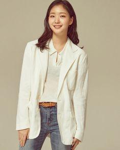 "Kim Go-eun to Star in Musical Movie ""Hero - @ HanCinema :: The Korean Movie and Drama Database Korean Actresses, Korean Actors, Actors & Actresses, Kim Go Eun Style, My Style, Uniqlo, Ji Eun Tak, Hero Movie, Kdrama Actors"