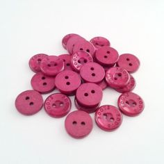 Dark red buttons in destash section of Debnests.