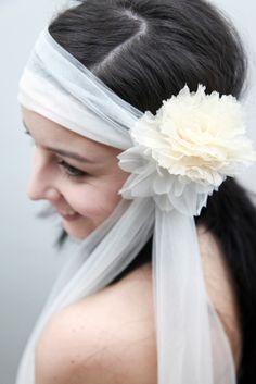 Tocado para novia de Les Cocons #floralheadpieces #tocadodeflores