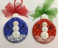 Wits End Designs Fused Glass Snowman Snow Globe Ornaments … - Cool Glass Art Designs Glass Christmas Decorations, Stained Glass Christmas, Glass Christmas Ornaments, Broken Glass Art, Sea Glass Art, Stained Glass Art, Shattered Glass, Glass Fusion Ideas, Glass Fusing Projects