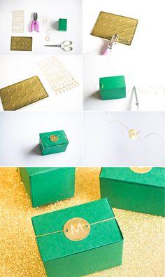 Emerald and Gold DIY Favors | Best Wedding Blog - Wedding Fashion & Inspiration | Grey Likes Weddings