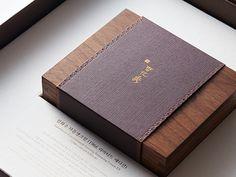 2016. Sulwhasoo Brand Book : Graphicvirus 그래픽바이러스 Wood Packaging, Tea Packaging, Cosmetic Packaging, Packaging Design, Book Design, Cover Design, Sweet Box Design, Wood Gift Box, Chocolate Brands