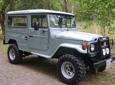 1st Gen Land Cruiser! I wish i would have had my grandpa keep our old one in my yard growing up... one day!