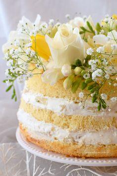 Fluffosa limone e ananas Chiffon Cake, Lemon Torte, Types Of Sponge Cake, Lily Cake, Blog Patisserie, Crochet Cake, American Cake, Light Cakes, Sweet Cooking