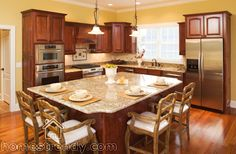 Kitchen island ideas... BIG and even has your dining area to eat at instead of placing another dining table.
