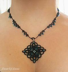 Land Of Laces: Teal Diamond Necklace - naszyjnik i inspiracja