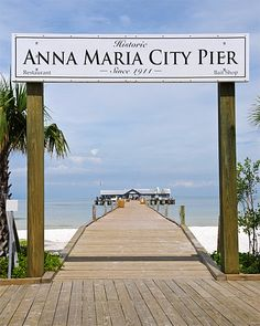 America's prettiest towns--Anna Maria, Fla.  Just south of Tampa, Anna Maria is a Gulf Coast beach town that has managed to avoid the sort of overdevelopment that plagues similar areas nearby – so it retains a certain small-town coastal Florida charm