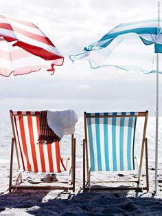 summer stripes, beach chairs and umbrellas I Love The Beach, Summer Of Love, Summer Colors, Hello Summer, Summer Breeze, Summer Vibes, Summer Sun, Summer Beach, Weekend Vibes