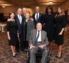 Former Presidents and First Ladies at the Memorial Service for Former First Lady, Barbara Bush. Her husband of 73 years Former President George Herbert Walker Bush is in the wheel chair in front. Barack Obama Family, Michelle And Barack Obama, Obamas Family, Rms Titanic, American Presidents, Us Presidents, American History, Republican Presidents, X Men