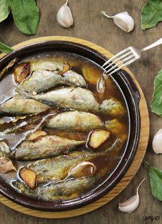 Jurelitos en escabeche (chicharros) Tapas Bar, Great Recipes, Deserts, Pork, Fish, Chicken, Meat, Cooking, Kitchen