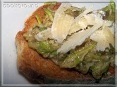 Bruschetta con zucchine marinate e scaglie di grana: le Vostre ricette | Cookaround