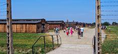 kriittistä matkaa: KESKITYSLEIRISTÄ TURISTIRYSÄKSI Poland