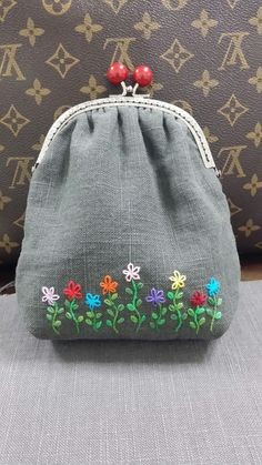 Embroidery Bags Embroidery Alphabet Modern Embroidery Floral Embroidery Cross Stitch Embroidery Embroidery Patterns Bag Patterns To Sew Brazilian Embroidery Needlepoint Embroidery Alphabet, Embroidery Bags, Hand Embroidery Patterns, Embroidery Stitches, Sewing Patterns, Learning To Embroider, Denim Crafts, Running Stitch, Fabric Bags