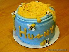 Winnie the Pooh honey pot cake for 1st birthday