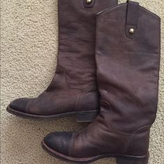 D&G by Dolce & Gabbana brown leather riding boots Timeless leather riding boots in a rich chocolate brown by Dolce & Gabbana line D&G. Barely worn, leather is in excellent condition with no scratches or scuffs. Only wear is on the soles. D&G Shoes