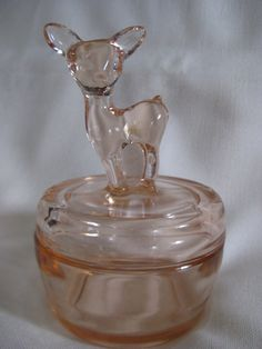 This beautiful 6 inch powder pink glass powder jar features a 1 inch tall dish with a beautiful doe on the lid of the jar. There is another color glass on the deers head that is most likely from production. See the second photo. A beautiful piece Vintage Dishware, Vintage Pottery, Vintage Items, Vintage Dishes, Vintage Decor, Fenton Glassware, Antique Glassware, Antique Dishes, Fostoria Glass