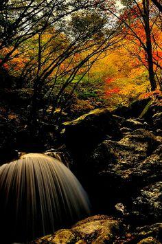 Mikaduki Falls, Fukushima, Japan 三日月の滝 福島