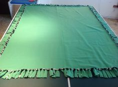 How to make a fleece tie blanket without bulky knots