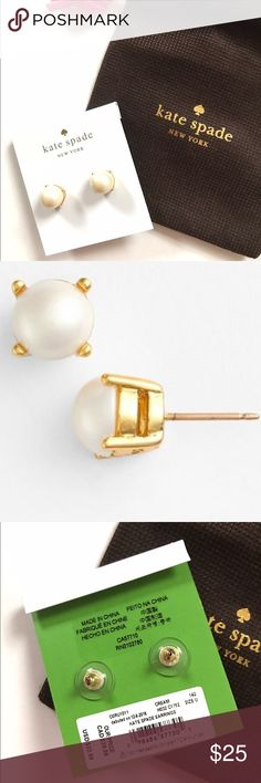 NWT Kate Spade Pearl Gold Stud Earrings Brand new faux pearl earrings with gold accent. Studs. Kate Spade brand. Comes with dust bag! kate spade Jewelry Earrings