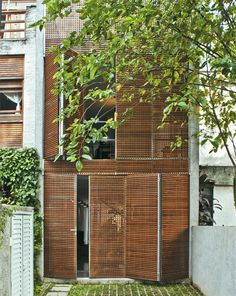 Ideas For Wooden Screen Facade Woods Design Exterior, Facade Design, Interior And Exterior, House Design, Wood Architecture, Architecture Details, Installation Architecture, Chinese Architecture, Futuristic Architecture