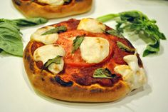 Vegan Moxarella Cheese (and a Bonus Pizza Recipe!) 9/10 (Toute la familia a aimé!) A essayer pour poutine maison et grill cheeze
