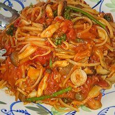 本日のきのこは、椎茸、しめじ、山茶茸...それでも、ソースのお味はがっつりイタリアンです! イタリアの唐辛子は、小粒でも超!辛い! 調子に乗って入れ過ぎたら...too hot ! - 8件のもぐもぐ - リングイネ・ボスカイオーラ by wakasan1935