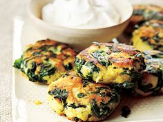 Spinach-Potato Fritters Recipe Enjoy the flavorful blend of spinach, potatoes, and eggs in these breakfast fritters. Spinach Recipes, Potato Recipes, Spinach Bread, Vegetable Dishes, Vegetable Recipes, Potato Fritters, Snacks Für Party, Potato Dishes, Food For Thought