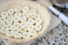Homemade custard, fresh bananas and homemade whipped cream are layered to create this delicious old fashioned banana cream pie. Try making one, it's easier than you might think! Old Fashioned Banana Cream Pie Recipe, Homemade Banana Cream Pie, Banana Cream Pudding, Banana Pie, Homemade Whipped Cream, Strudel Recipes, Cream Pie Recipes, Pizza Recipes, Pudding Desserts