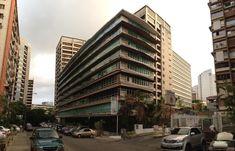 Edif. Atlantic, Los Palos Grandes. | 33 Imágenes de Caracas que te garantizan un placentero paseo arquitectónico