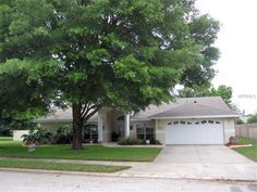 505 Hunters Run Blvd, Lakeland, FL 33809 — Top Quality 4 BR/2BA Orig Owner Custom Built Pool Home by Bldr Paul McKinley in desirable Hunters Run! Additional adjoining 95x130 vacant lot avl listed @ $49,900 (MLS#L4705455)! Meticulously Maintained! This custom home has 10x43 cvd lanai which opens to the sparkling 15x30 screened enc pool & beautiful fenced backyard. Great for Entertaining & Plenty of backyard room! Many Upgrades includg: New Arch FGS Roof (Dec 2012), New CHA compressor…