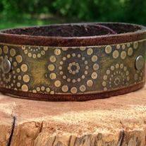 leather cuff with circle pattern etched brass plate from Eternally 29 Leather Cuffs, Brown Leather, Copper Gifts, Plate Design, Circle Pattern, Jewelry Making, Brass, Plates, Metal