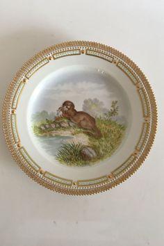 Royal Copenhagen Flora Danica Animal Game Dinner Plate 239 3549 Otter | eBay