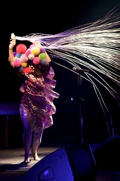 Bjork – thicker legs and hips?