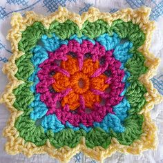 Aren't these little squares gorgeous? Made by Susie Can Stitch via the  Lion Brand pattern found HERE     :)
