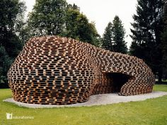 This is the Palettenpavillon by Matthias Loebermann, a temporary meeting place made entirely from shipping pallets.