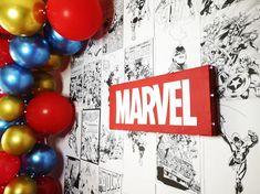 Organiser un anniversaire Marvel - SabrinaBerrich Costume Thor, Anniversaire Harry Potter, Lets Celebrate, Diy Organization, Marvel, Party, Leftover Fabric, Parties