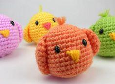Chicken for rattle Easter Crochet, Cute Crochet, Crochet Dolls, Crochet Baby, Knit Crochet, Amigurumi Patterns, Crochet Patterns, Crochet Chicken, Yarn Bombing