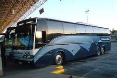 Ante el riesgo de que normalistas y maestros sigan secuestrando autobuses, la línea Omnibús de México anunció la suspensión de corridas desde Morelia hacia Uruapan y Zamora hasta nuevo aviso ...