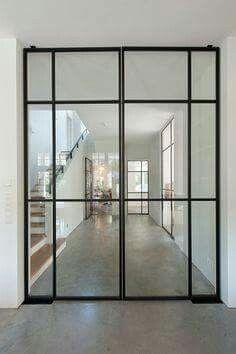 Stalen taatsdeuren voor een ruimere woonbeleving