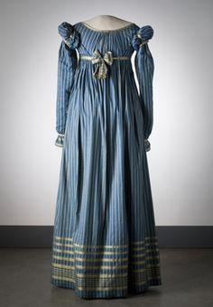 Nordic Museum inv No. 164986. c1815 dark blue