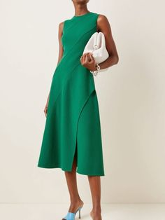 Best Formal Dresses, Fall Dresses, Evening Dresses, Casual Dresses, Fashion Dresses, Casual Street Style, Street Style Women, Bias Cut Dress, Classy Work Outfits
