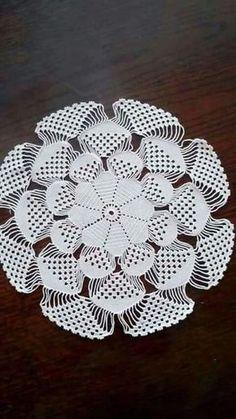Baby braids newest knitting patterns - Part 2 - Knittting Crochet Crochet Circles, Crochet Doily Patterns, Thread Crochet, Filet Crochet, Crochet Designs, Knitting Patterns, Irish Crochet, Crochet Home, Crochet Crafts