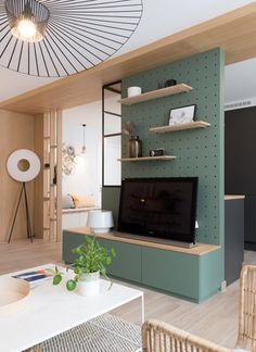 5 tricks to create a harmonious TV nook. Coin Tv, Home Theather, Tv Nook, Apartment Checklist, Kitchen Benches, Apartment Design, Office Interiors, Home Decor Bedroom, Living Room Designs