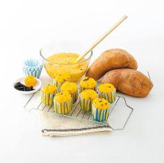 MUFFINS À LA PATATE DOUCE La patate douce se prête bien aux desserts, surtout quand ils sont moelleux et requinquants comme celui-ci. On peut remplacer les pépites de chocolat par des raisins secs ou des canneberges.