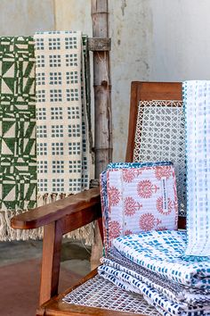 Rachel Elizabeth Interior's range of bespoke block-printed textiles featuring rugs, cushions, bed linen, table napery and fabric. Designed in-house and created by artisans using the ancient art of hand-block printing in India. Grey Comforter, King Comforter Sets, Bed Linen, Linen Bedding, Boutique Interior Design, Textile Prints, Textiles, Bedding Sets Online, Soft Furnishings